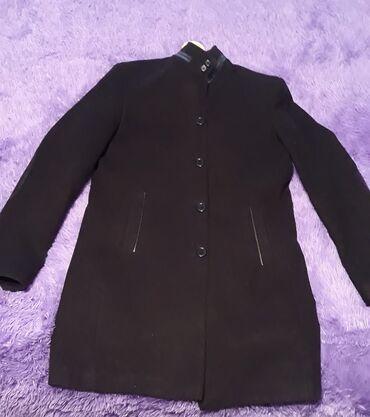 - Azərbaycan: Kişi palto