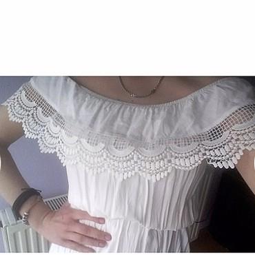 Haljine - Paracin: Cipkasta bela haljinica,nije mnogo nosena,ocuvana je,pise velicina
