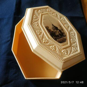 Шкатулка СССР пластик, в идеальном состоянии, размеры на фото - 200