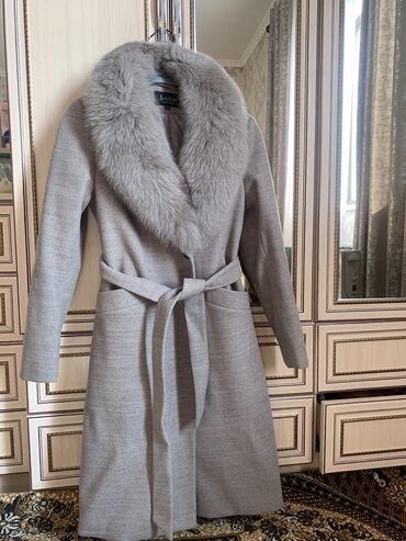 продам нов в Кыргызстан: Продам зимнее пальто  Воротник песец съемный  Новый, размер m  Брала