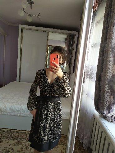 летнее платье с запахом в Кыргызстан: Продаю платье на запах. Размер регулируется шелковым поясом от S до