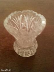 Prodaje se mala kristalna vaznica od najkvalitnijeg kristala - Crvenka