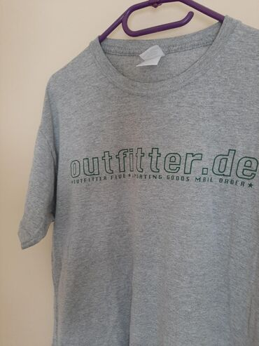 Muska majica sa natpisom. Veličina M