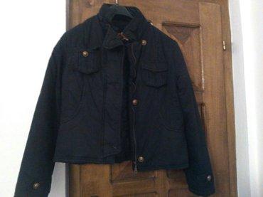 Jesenja jakna ,kratka je . m velicina nigde ostecena - Knjazevac