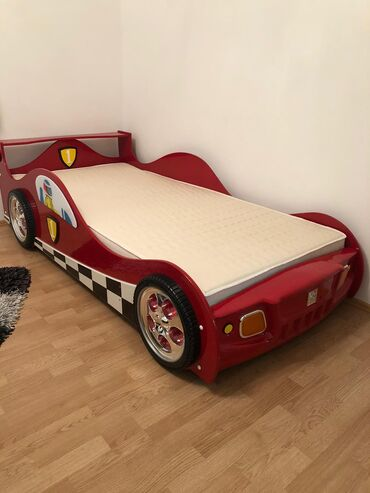 Prodajem Deciji Krevet sa sijalicama i dusek, ekstra stanjeKomplet