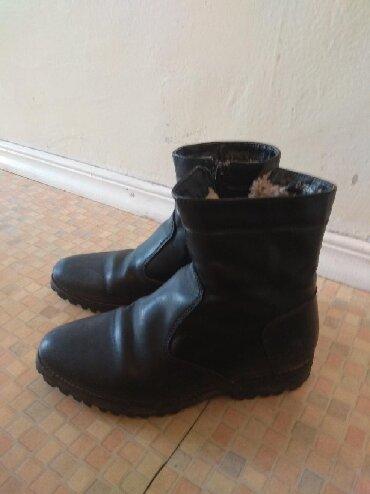 замшевые туфли на каблуках в Кыргызстан: Сапоги для мальчика 30р отдам за 199с р-н Орто сайский рынок