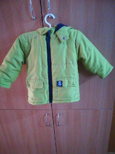 Dečija odeća i obuća - Rumenka: Prelepa i očuvana dečija jaknica obučena 2 - 3 puta. Za dete od 12do