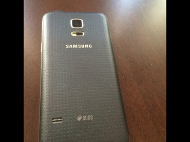 Bakı şəhərində Samsung galaxy 5s mini. проблем есть стекло сломалось, раньше 380 мана