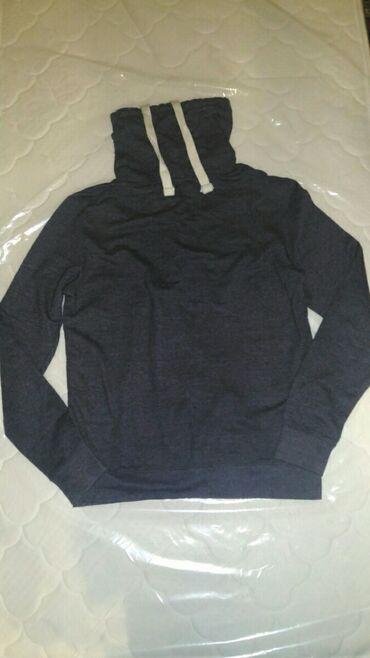 Мужская одежда - Кыргызстан: Продаю новый мужской свитер. Подойдет человеку ростом 167-173. Цвет