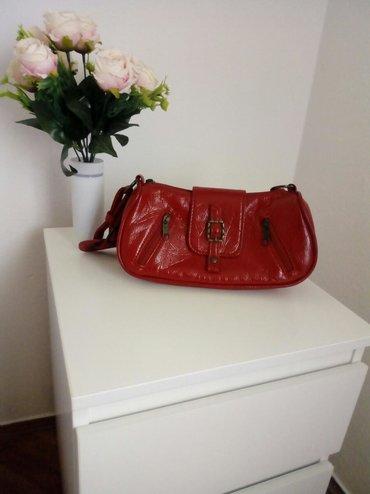 Barcelona torba - Srbija: Snizeno!Prelepa crvena torba,vrlo malo koriscena