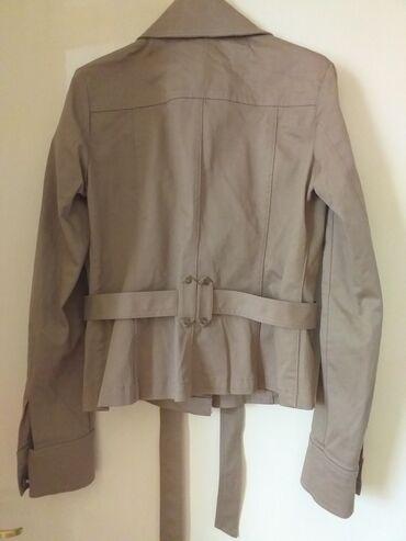 Duzina cm jakna - Srbija: ** Nova jaknica **Dimenzije su: - ramena: 39 cm - duzina: 54 cm -