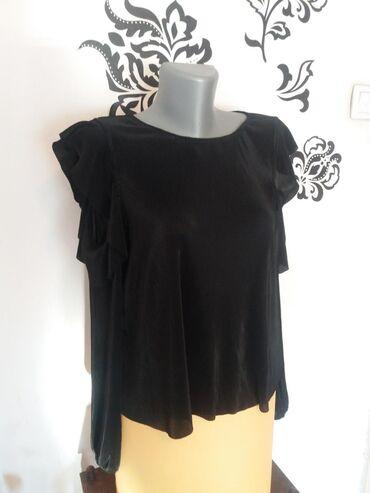 Bershka-bluza - Srbija: Bluza BERSHKA. Nova bez etikete. Elegantna bluza sa otvorenim