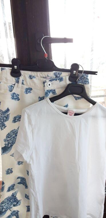принт на футболку бишкек in Кыргызстан | ТОПЫ И РУБАШКИ: Продаю белую футболку с джинсами в цветочный принтБренд SELA
