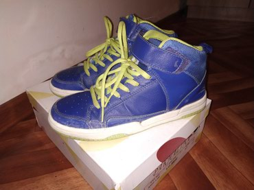 Подростковые кроссовки размер 37 б/у цена 500 сом в Бишкек