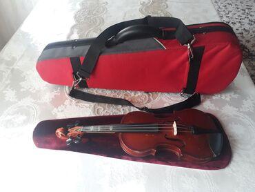 Скрипки - Кыргызстан: Продаётся скрипка чертвертная 1/4 Советское, чехол Американский. В