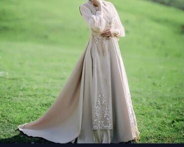 1808 объявлений: Продаётся платье ручная работа от дизайнера Arzubek Vonama на кыз