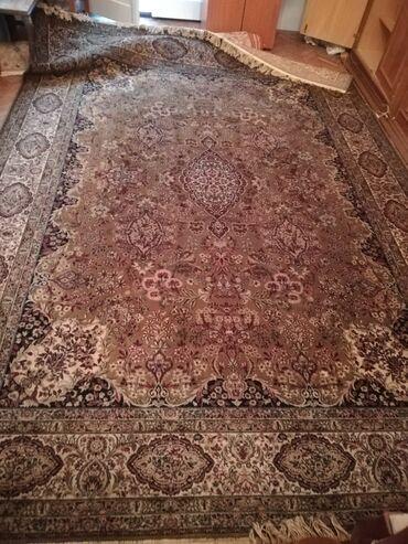 Vuneni tepih 2,5 x 3,5 mVuneni nemački tepih od 100% runske