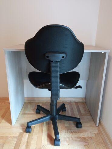 Radnici - Srbija: Radni sto i stolica