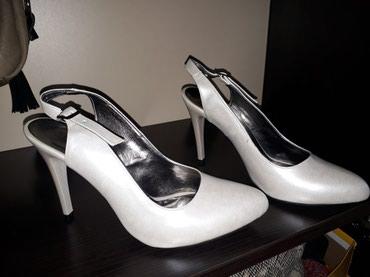 Nove prelepe sandale boja bisera 39 br - Pancevo