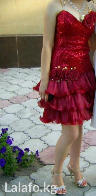 Продаю вечернее платье красного в Бишкек