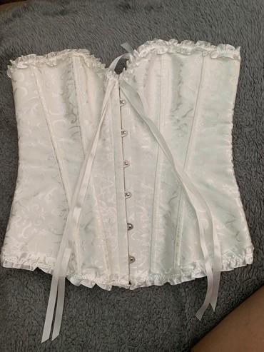 Ženska odeća | Kursumlija: Korset beli, novi, M velicina
