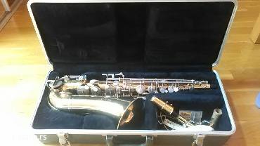 Prodajem muzicki instrument, zlatni saksofon buescher, skoro pa - Beograd