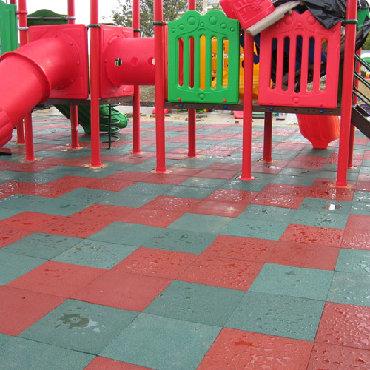 Резиновые покрытия для детских площадокДля детских площадок -