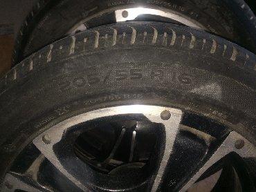 шины 205 55 r16 в Кыргызстан: 2 диска с резиной лето «Michelin» Разболтовка 5*120. Резина хорошая 2