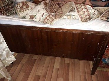 продаю кровать,б/у деревянная,советская,без матраца. в Бишкек