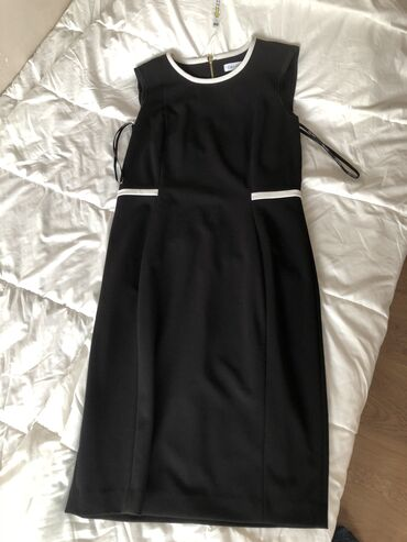 Платье Деловое Calvin Klein M