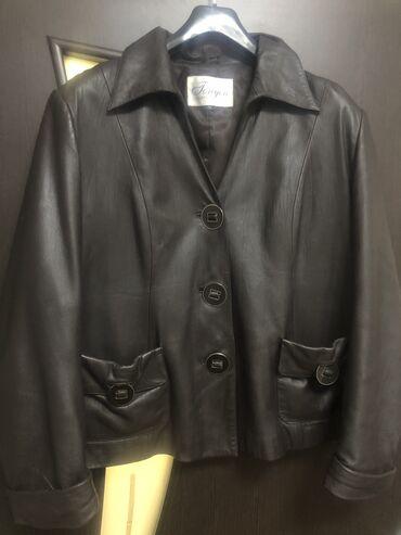 Куртка -пиджак, кожа, покупала в Италии одета 2 раза, вид новой, цвет