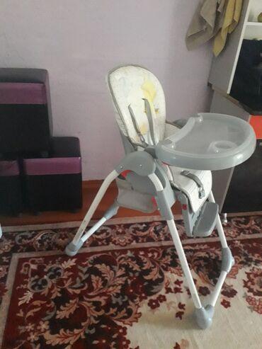 Детский мир - Кемин: Столик для кормления почти новый. цена 3500
