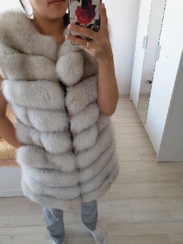 Женская одежда в Лебединовка: Продаю жилетку песец натуральный. почти новая ! Привозили с Турции