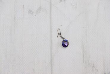 Жіноча сережка з камінчиком   Стан: гарний, є сліди корозії, сережка л