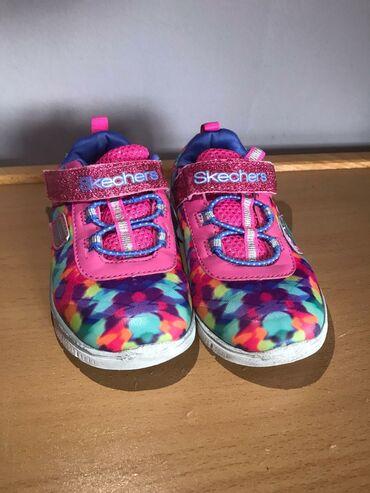 Dečije Cipele i Čizme - Kucevo: Skechers patike za devojčice broj 24 sa manjim tragovima nošenja