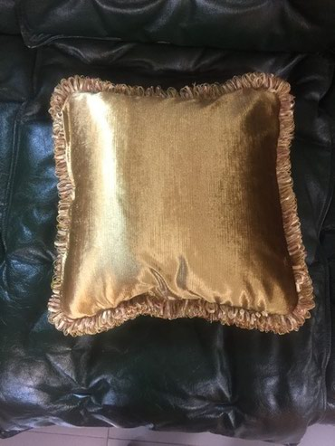 Подушка (италия) размер 40х40-золото велюр в Бишкек