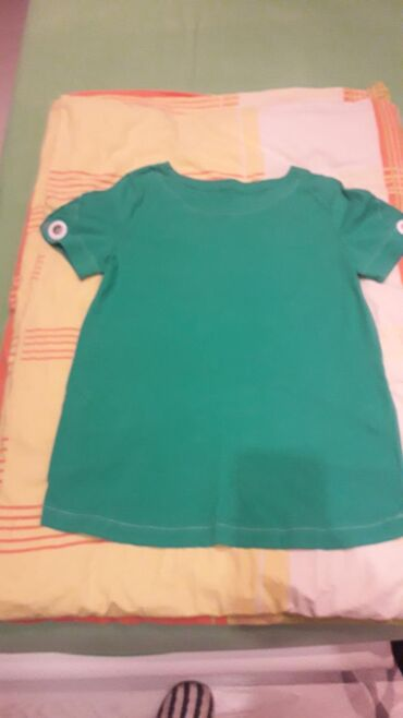 Zimske helanke pantalonemoderna zelena boja esirina - Srbija: Zanimljiva majica lepa zelena boja