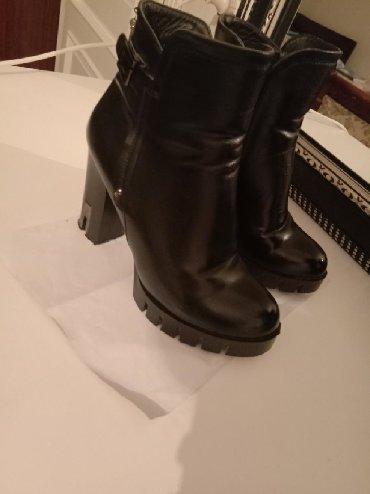Qadın ayaqqabıları Lökbatanda: Botilyonlar 37