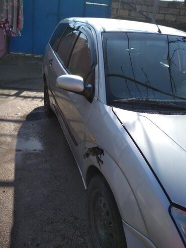 Ford Kürdəmirda: Ford Focus 1.6 l. 2004 | 35595688 km