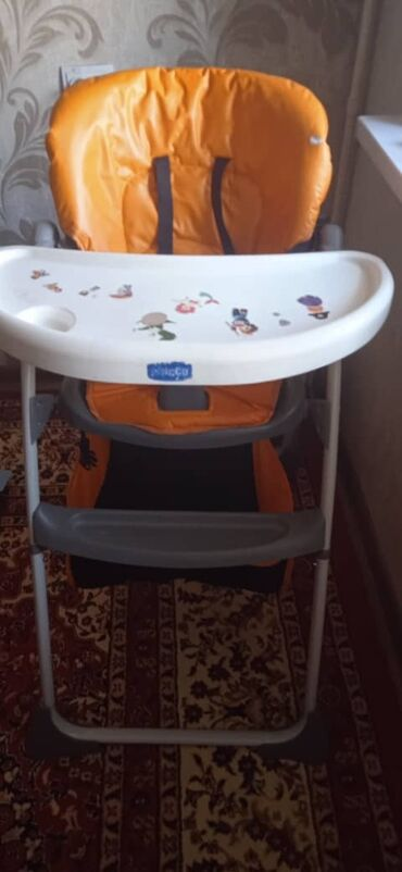 толокар chicco в Кыргызстан: Стол для кормления chicco