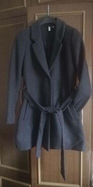 Ženski kaputi - Srbija: Ženski kaput,nov. Veličina 40. Dužina 85cm Rukavi 65cm