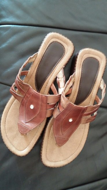 Braon kozne sandale broj pitajte - Srbija: Kozne sandale japanke broj 39 gazidte 25 cm. vrlo udobne