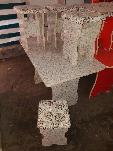 стол на кухню раскладной в Кыргызстан: Стол табуретка 3000сом Доставка есть ещё кухонный шкаф Стол 6шт табуре