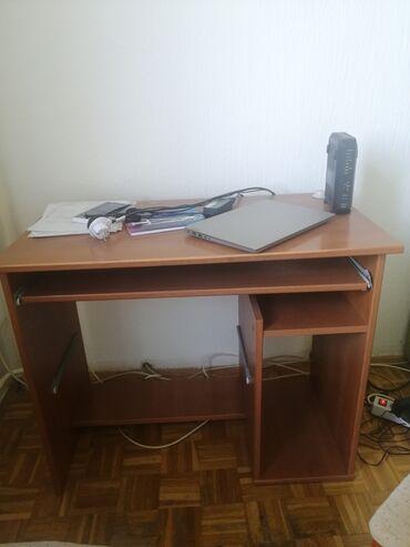 Kompjuter - Srbija: SNIŽENO - Sto za kompjuter, boje bukve u dobro očuvanom stanju