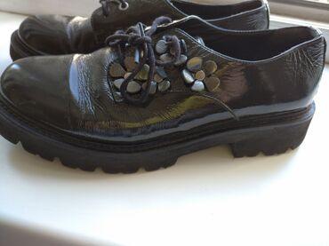 Обувь для девочек, размер 37. Б.у. в хорошем состоянии. Очень удобные