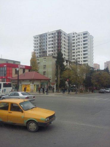 Bakı şəhərində Yasamal rayonunda, İran klinikasının yanında 16 mərtəbəli binada
