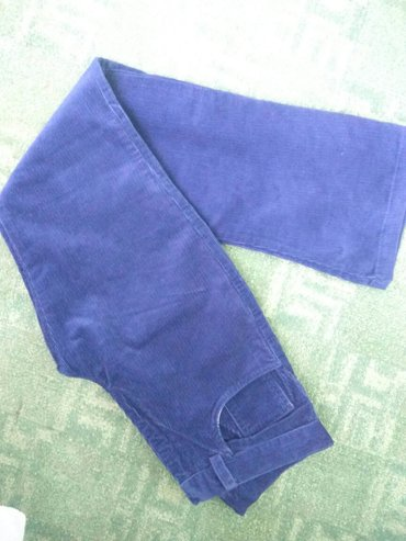Новые вельветовые джинсы брюки Корды. в живую цвет насыщенный. в Бишкек