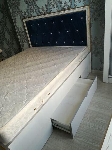 Г. Ош двуспальная кровать с выдвижным ящиком для белья