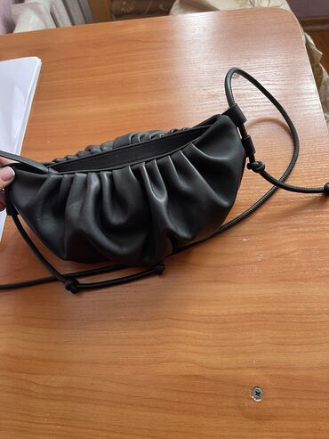 Mango сумка состояние нового с этикеткой. 800 сом