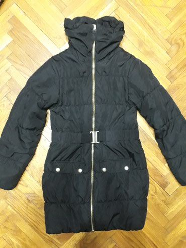 H&M jakna, velicina 140. Crna, duza jaknica, mantilic. Nosena, ali - Belgrade